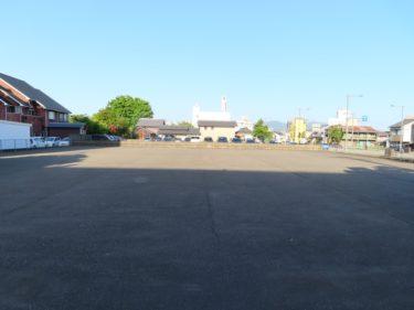 福井市都心部にある大きな駐車場は何の跡地?【国際交流会館駐車場】