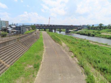 足羽川河川敷に残る道路跡