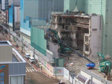 【三角地帯再開発A工事記録30】(2021.3)廃止市道南側・敷地中央付近建物解体4