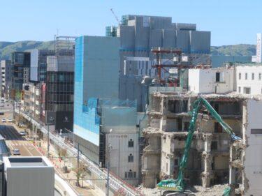 【三角地帯再開発A工事記録36】(2021.4)廃止市道南側・敷地中央付近建物解体9