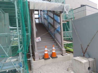 明新歩道橋建設の様子 2021.8